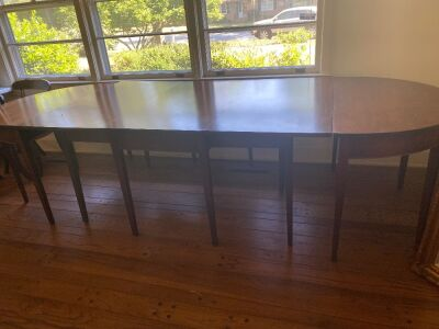 Drop leaf table with two banquet ends